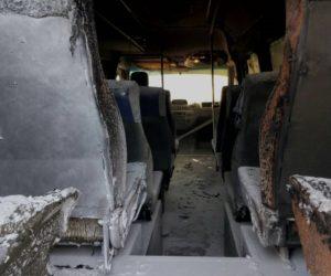 В Запорожье на платной стоянке подожгли маршрутку «БасТура» - ФОТО