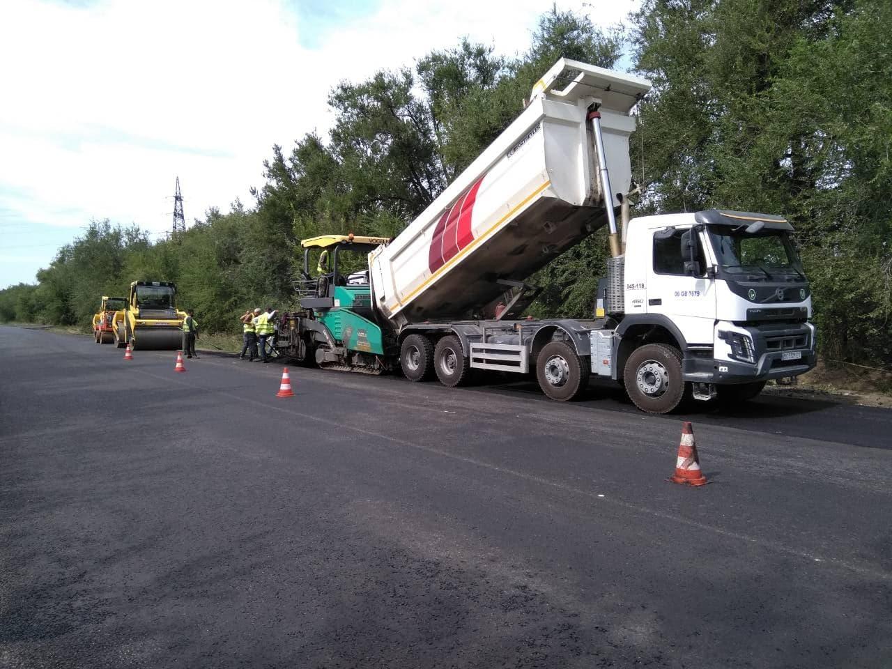Как в Запорожской области продолжается ремонт трассы на Мариуполь - ФОТО