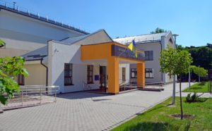 В Запорожье суд отправил под домашний арест двоих подозреваемых, которые в составе преступной группы вымогали деньги у запорожцев