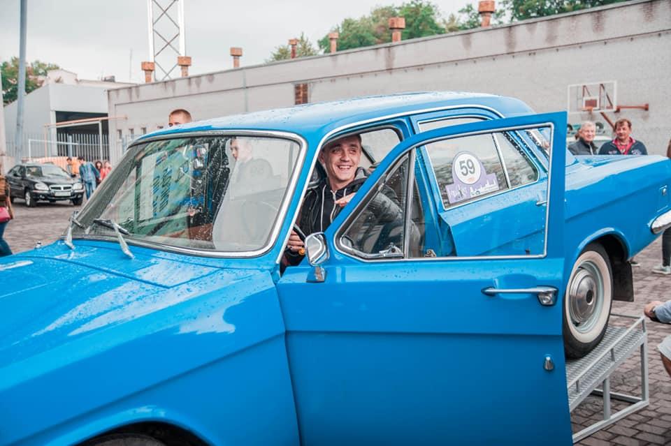 Житель Запорожья выиграл в лотерею уникальный ретро-автомобиль - ФОТО
