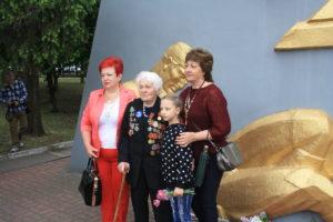 Порошенко назначил пожизненную стипендию 99-летней ветерану ВОВ