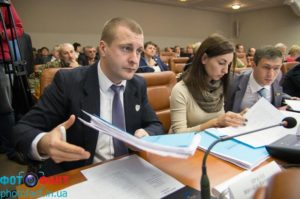 Запорожский депутат хочет, чтобы суд признал недействительным его кредитный договор, который послужил предметом спора с НАПК