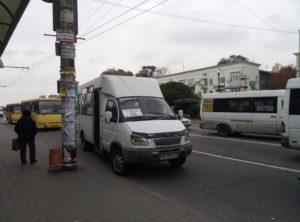 Жители Хортицкого района обещают перекрывать трассы, если не разрешится проблема с транспортом