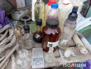 Под Запорожьем шесть человек организовали лабораторию по производству наркотиков - ФОТО