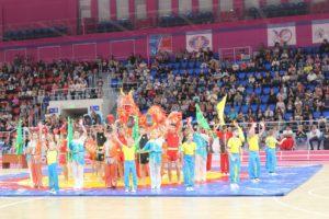Гимнастика, футбол, хоккей и игры для зрителей: в Запорожье с размахом отметили День физической культуры и спорта - ФОТО