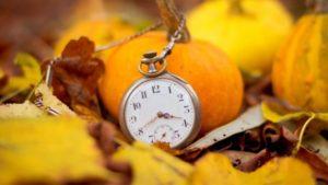 Запорожцам на заметку: когда нужно перевести часы на зимнее время
