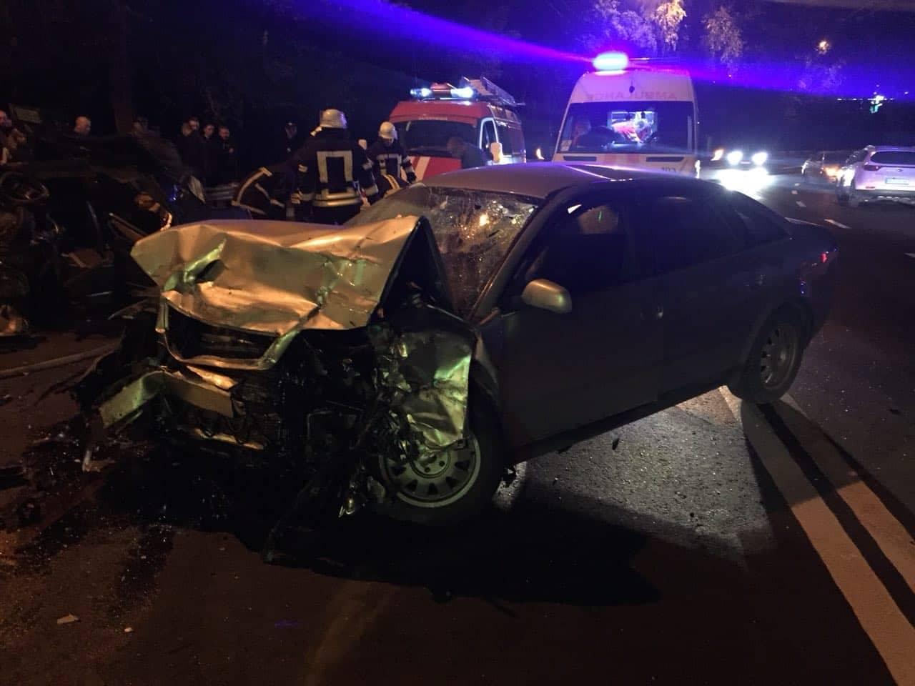 В Запорожье произошло жуткое ДТП с такси: есть погибший - ФОТО, ВИДЕО