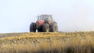 В Запорожской области задержали тракториста за серийные кражи с агропредприятия
