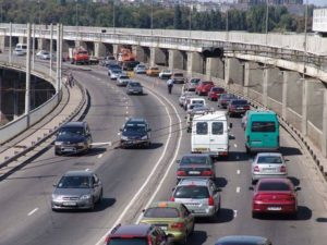 Транспортный коллапс: ремонтные работы на плотине ДнепроГЭСа будут временно приостановлены