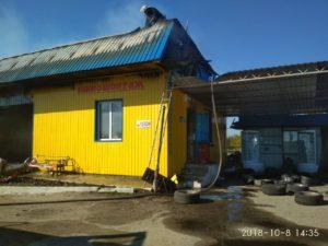 В Запорожской области сгорел автосервис с автомобилем и мотоциклом внутри - ФОТО