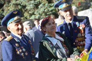 В Запорожье состоялся торжественный митинг к 75-ой годовщине освобождения города - ФОТО