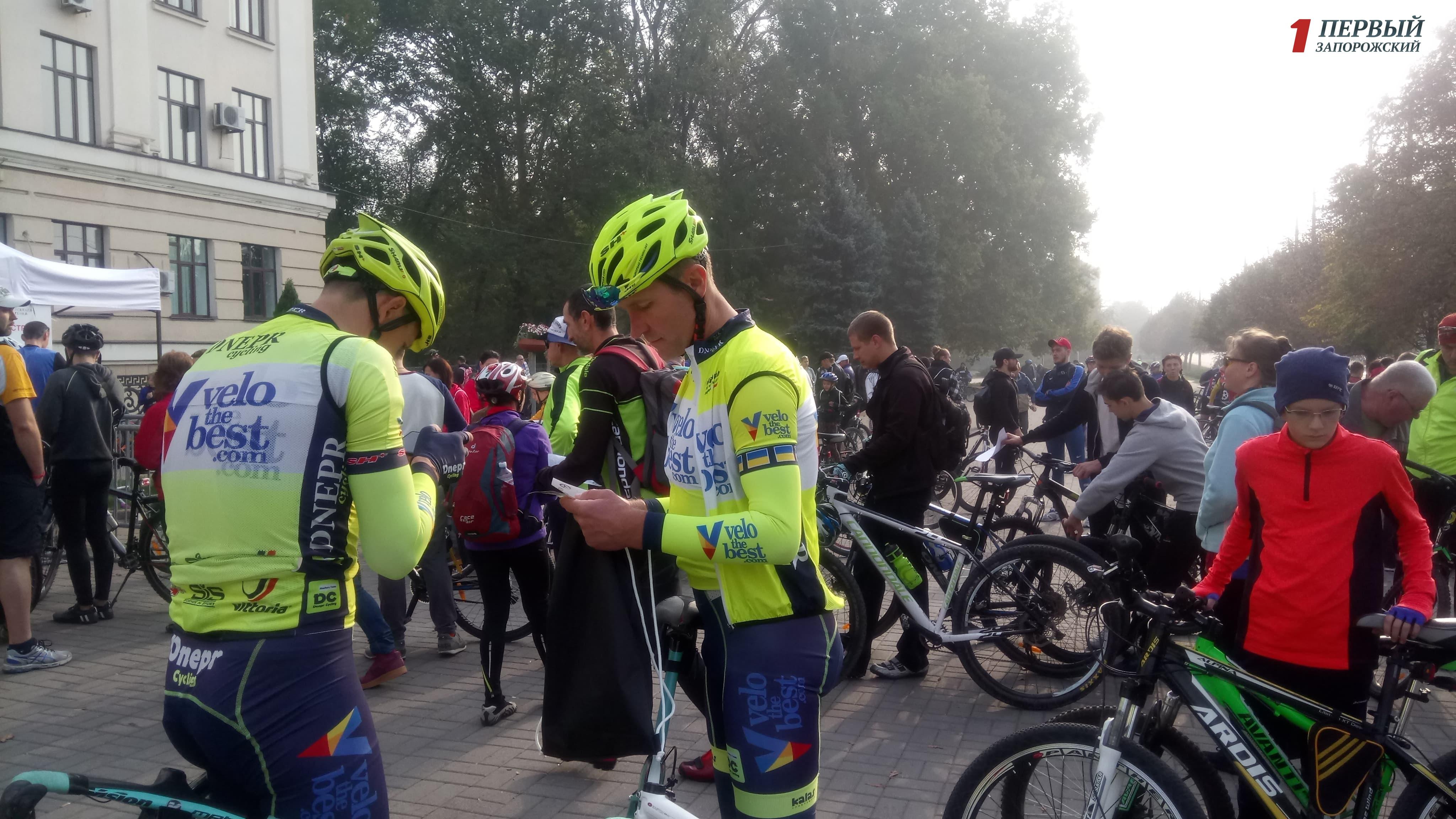В Запорожье тысячи велосипедистов вышли на массовый велопробег - ФОТО, ВИДЕО