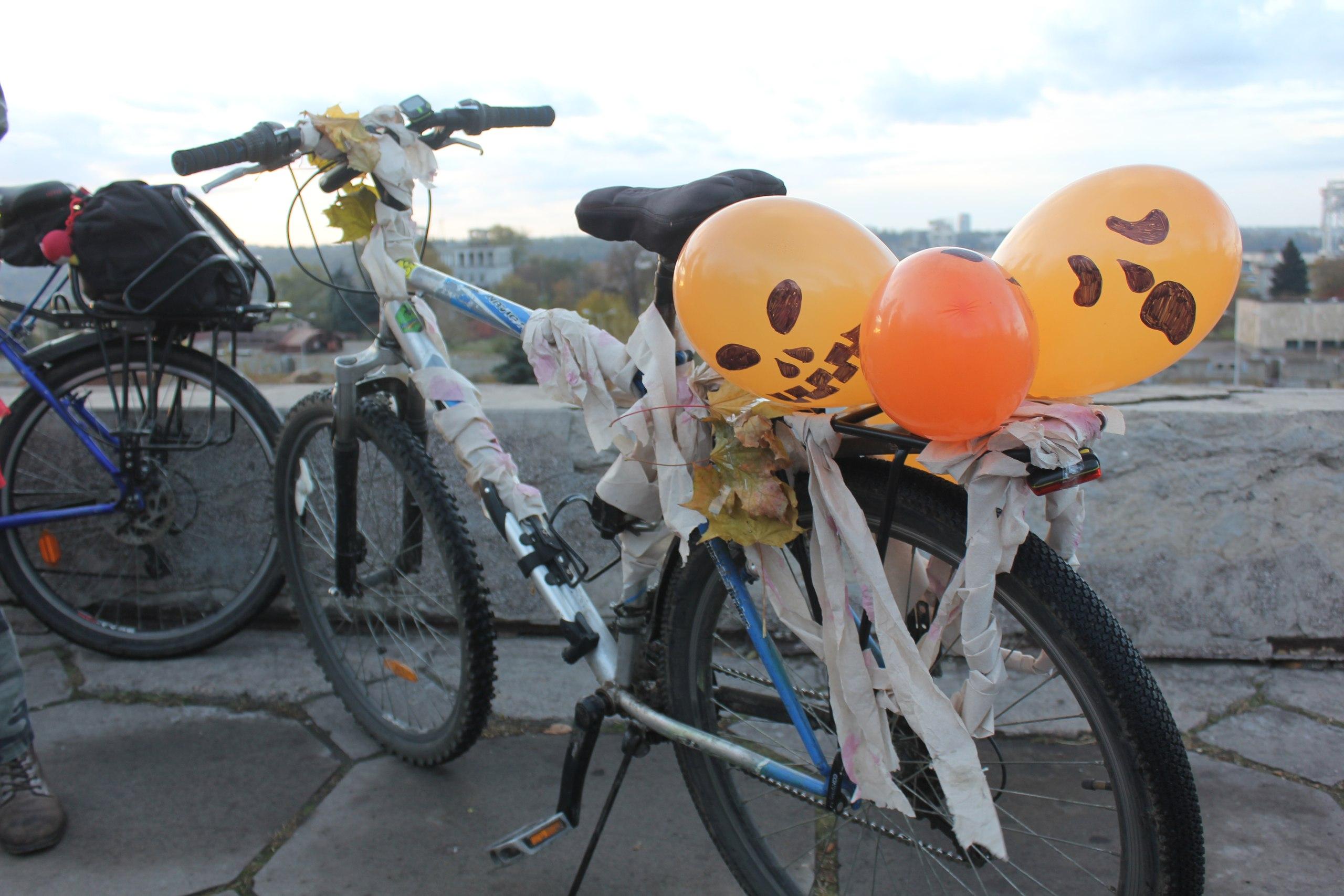 В Запорожье велосипедисты устроят «вело шабаш» на Хэллоуин – ФОТО