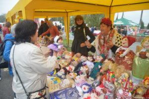 Бесплатные угощения, пикник на Радуге и выставка цветов: чем удивит запорожцев Покровская ярмарка-2018
