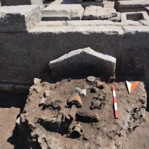 В Турции археологи раскопали могилу, которой более 2000 лет - ФОТО