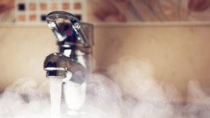 Запорожцам на заметку: стало известно на сколько и когда поднимутся тарифы на горячую воду и теплоснабжение