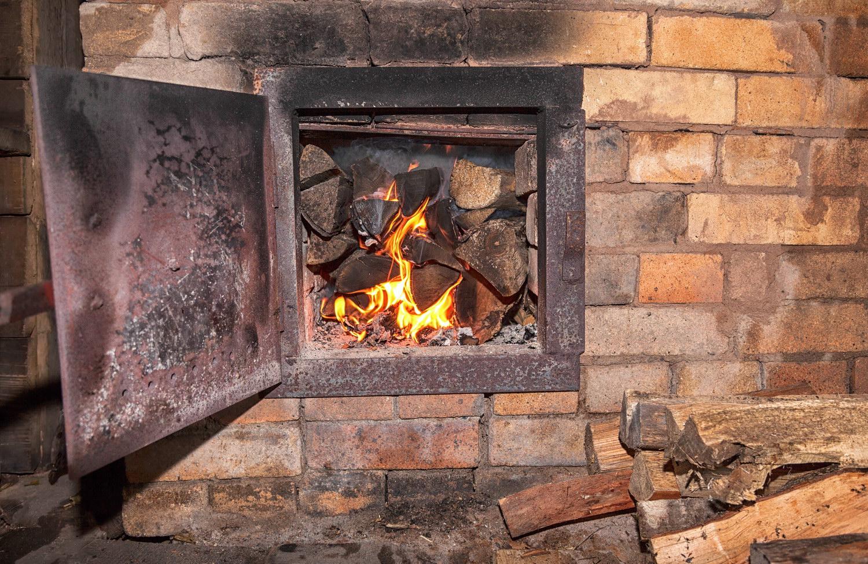 В Запорожье из-за печного отопления произошел пожар в дачном доме