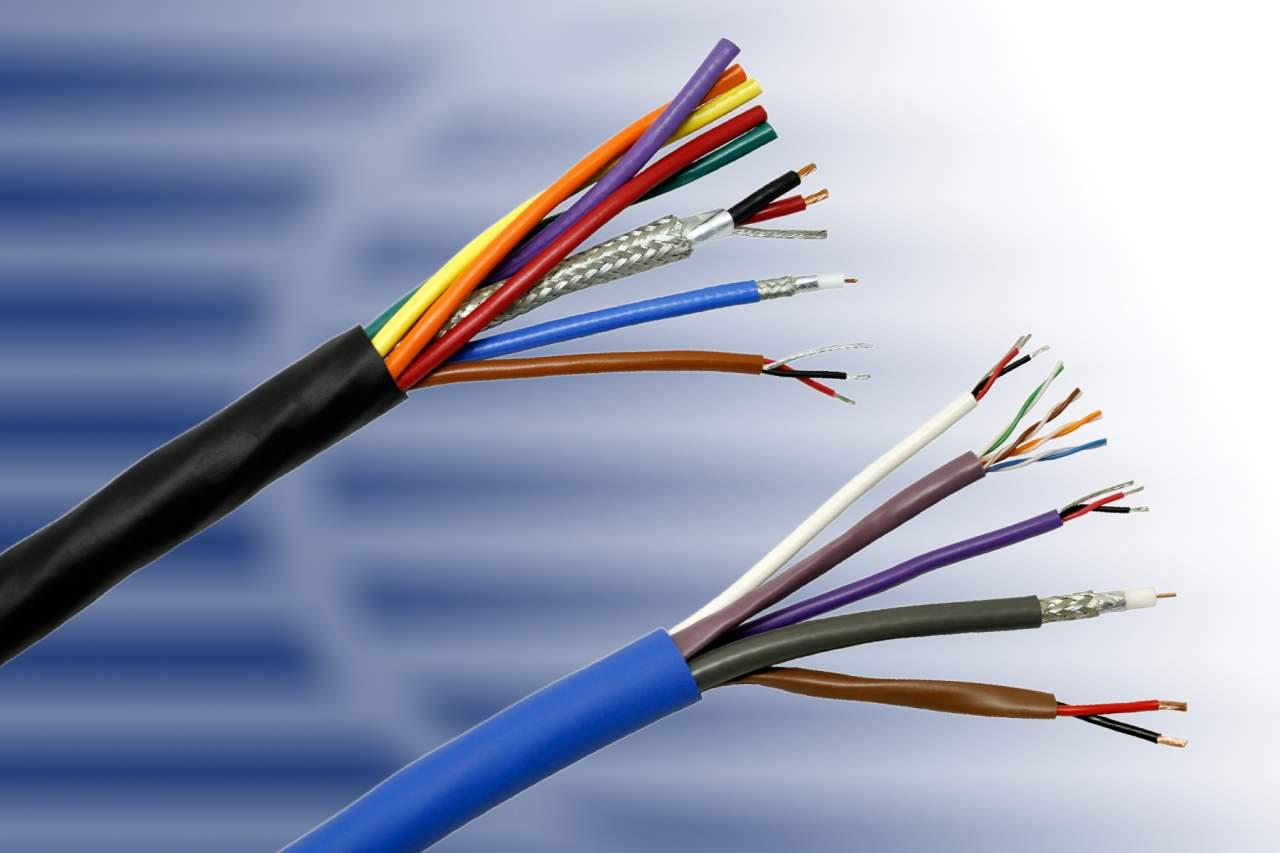 В Запорожье задержали мужчину, укравшего около 100 метров телефонного кабеля - ФОТО