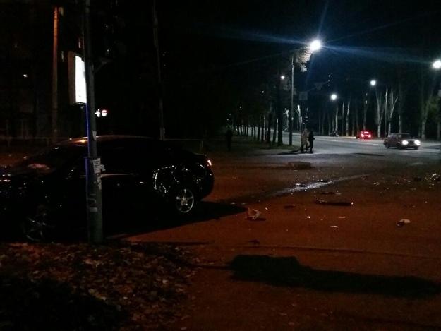 В Запорожье в результате сильного ДТП автомобили отбросило по разные стороны – ФОТО