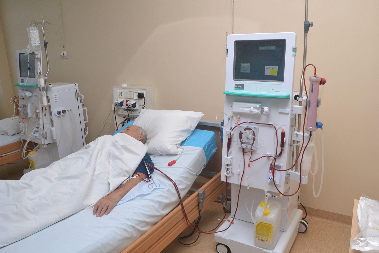 В Запорожье диализные больные судятся с областным советом и просят не отправлять их на лечение в онкодиспансер