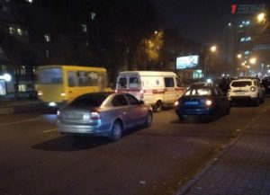 Стрельба в Запорожье: иностранец подстрелил должника и скрылся на авто - ФОТО