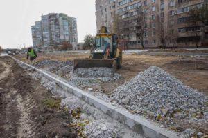 В Запорожье строят новую дорогу на улице Школьной: что уже сделали - ФОТО