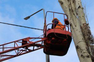 В Запорожье на улице Магистральной установили современные светодиодные светильники - ФОТО