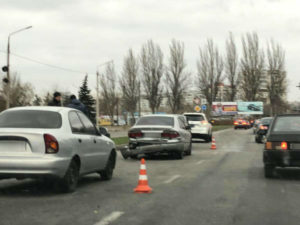 В Запорожье на Набережной произошло тройное ДТП - ФОТО