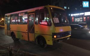 В Запорожской области на остановке столкнулись маршрутка и легковушка - ФОТО