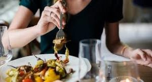 В Запорожье более полусотни человек отравились некачественной едой