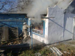 В Запорожской области из-за короткого замыкания горел жилой дом - ФОТО