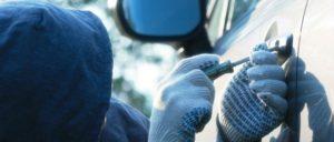 Под Запорожьем пьяный мужчина попал в ДТП на угнанном автомобиле - ФОТО