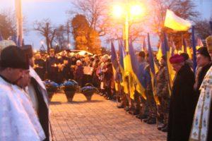 В Запорожье почтили память жертв Голодоморов - ФОТО