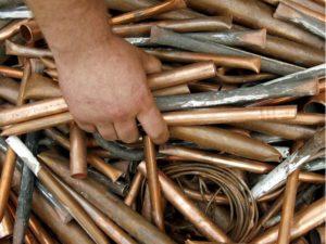 В Запорожье задержали вора-металлиста, проникшего на территорию частного дома