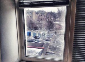 В Запорожье мужчина случайно выстрелил из ружья из окна многоэтажки - ФОТО