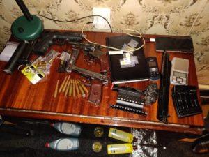 В Запорожье экс-полицейский организовал наркопритон и торговал метамфетамином - ФОТО