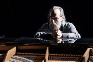 Самый быстрый пианист мира Любомир Мельник снова посетит Запорожье в рамках мирового тура