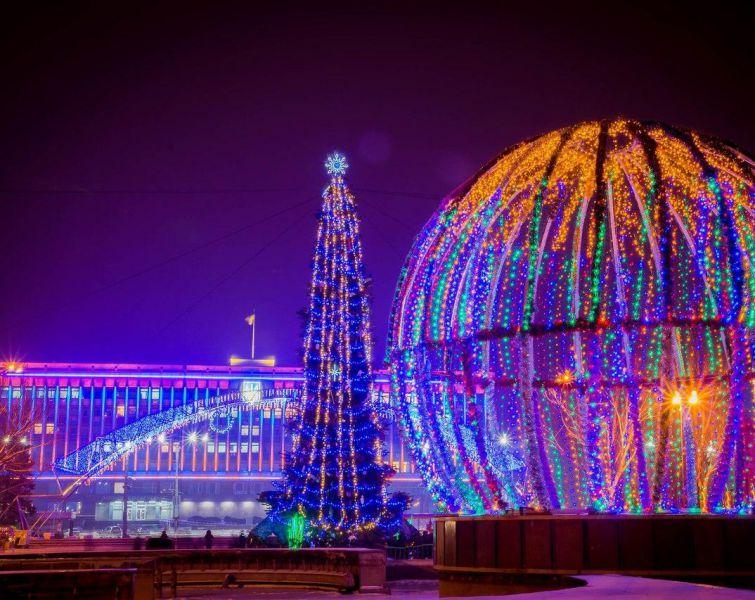 Фотозоны, сувениры и вертеп: жителей Запорожья приглашают на празднование Новогодне-рождественского фестиваля