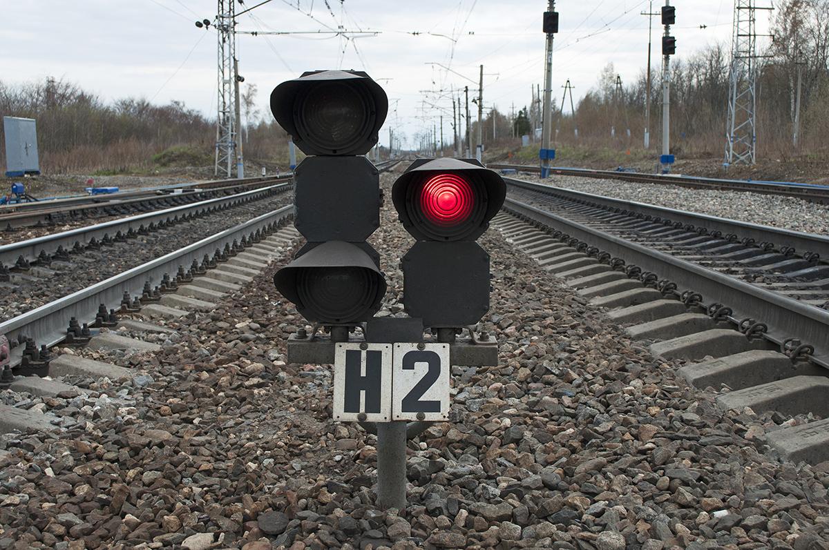 В Запорожской области вор обесточил светофор на железной дороге - ФОТО