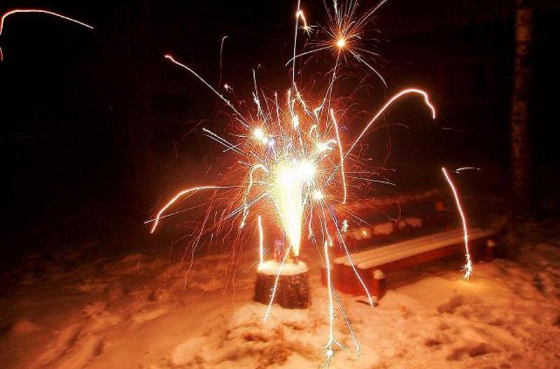 Бум на петарды во время новогодних праздников: как калечит пиротехника
