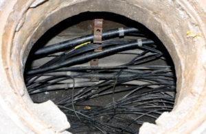 В Запорожье поймали очередных кабельных воров: двое из них несовершеннолетние - ФОТО