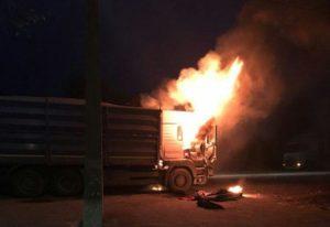 В Запорожской области на трассе горел грузовик «MAN» - ФОТО