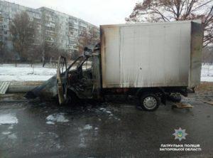 В Запорожье грузовик врезался в столб и сгорел - ФОТО