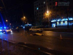 В Запорожье на центральном проспекте насмерть сбили женщину – ФОТО