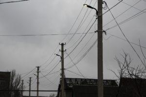 В Запорожье на одной из улиц частного сектора установили современные светодиодные светильники - ФОТО