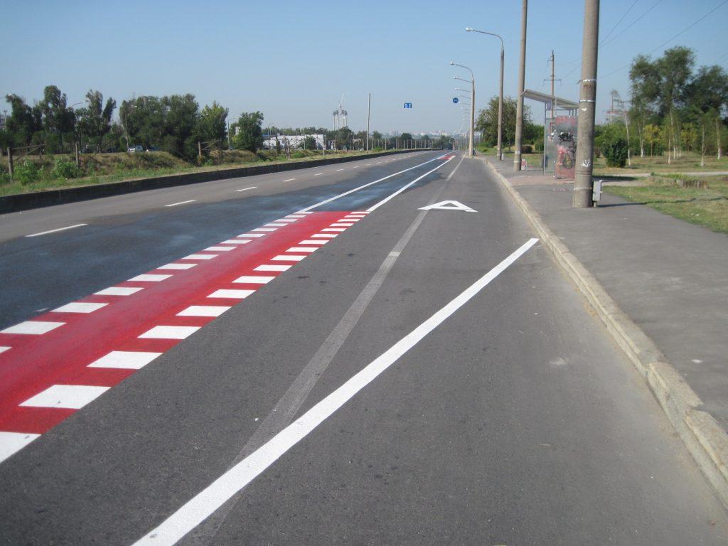 В Запорожье предлагают ликвидировать велосипедную полосу в направлении Хортицкого района
