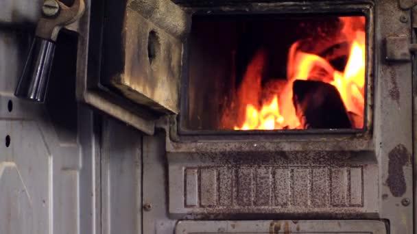 В Запорожской области из-за неисправной печи женщина отравилась угарным газом