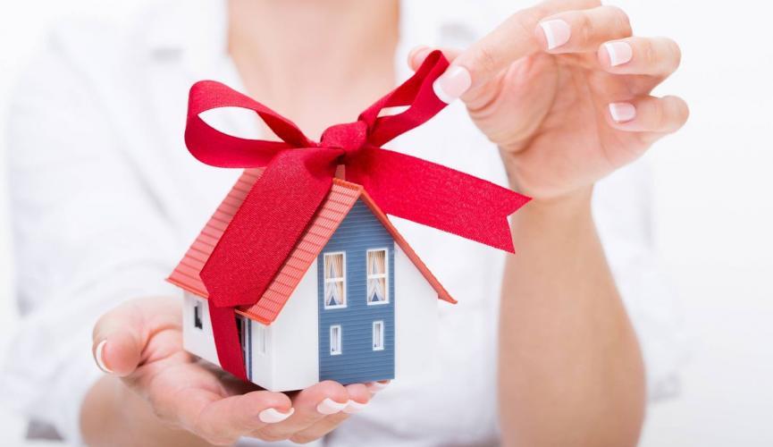 В Запорожье начальник одного из отделов прокуратуры получил к Новому Году подарок в виде квартиры за полмиллиона гривен