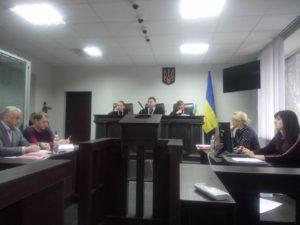 В Запорожье приступили к изучению письменных доказательств по делу о закупке авто «скорых» на 13 миллионов гривен