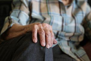В Запорожье мужчина, который только вышел из тюрьмы, жестоко убил 70-летнего пенсионера